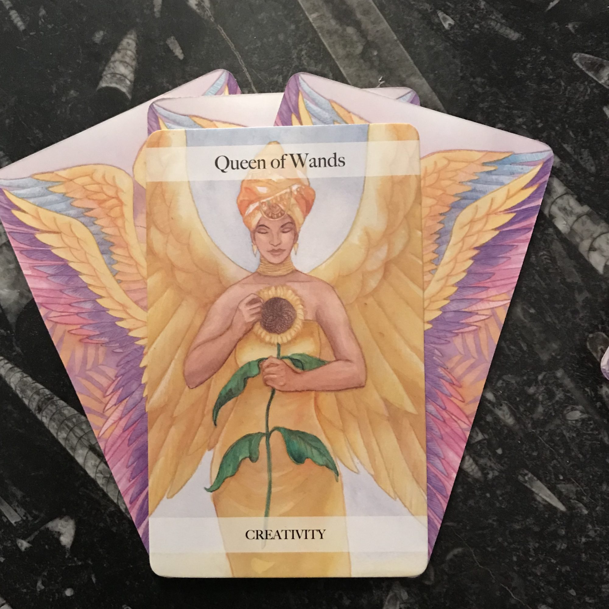 ANGEL TAROT COURSE - QUEENS